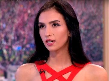 Alexandra ha subastado su virginidad para pagar sus estudios