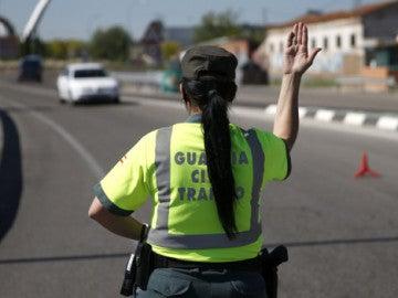 Una Guardia Civil de tráfico