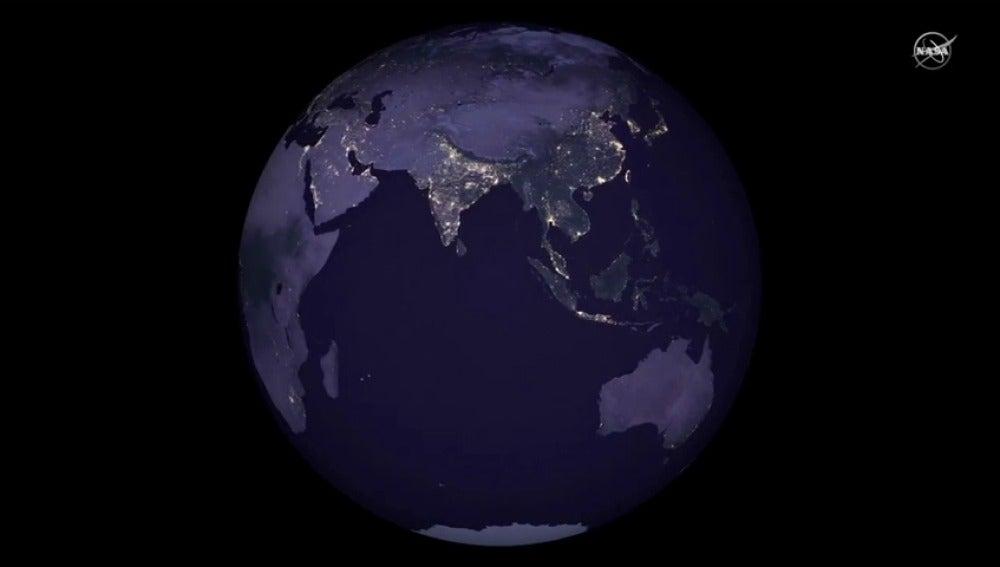 Frame 14.456113 de: Mapa nocturno de la Tierra
