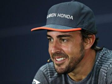 Fernando Alonso, durante la rueda de prensa de la FIA del GP de Baréin