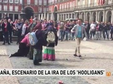Frame 105.476044 de: No son sólo los ultras del Leicester: así siembran los 'hooligans' el terror en toda Europa