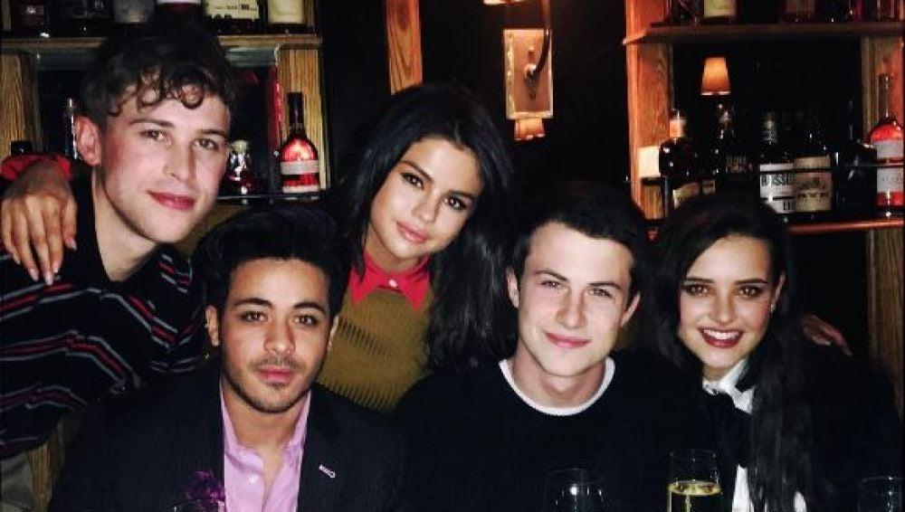 Selena Gomez y los protagonistas de 'Por 13 razones' se tatúan contra el bullying