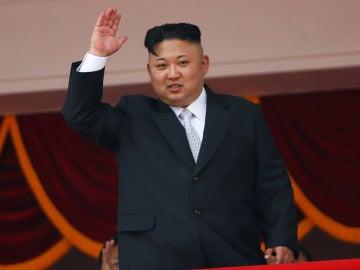 Kim Jong Un ha presidido el desfile militar del Día del Sol