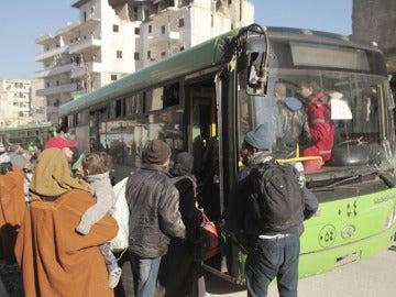 Evacuación de civiles sirios (Archivo)