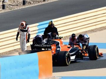 Vandoorne se baja del MCL32 en la sesión de clasificación