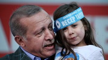 Erdogan durante un acto de campaña