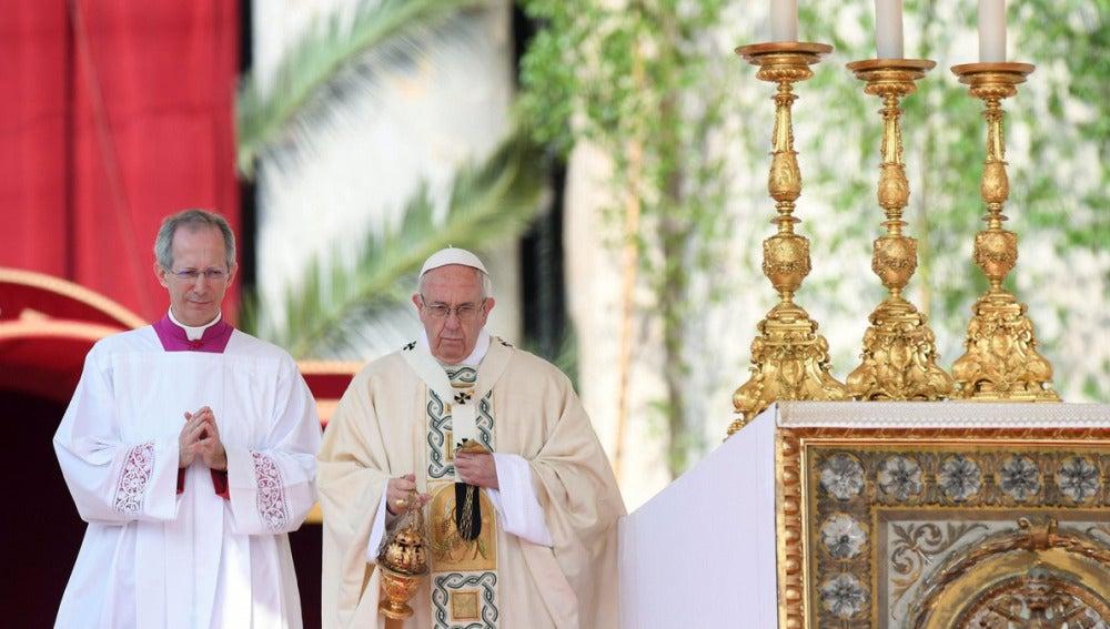 El Papa Francisco durante la misa del Domingo de Resurrección