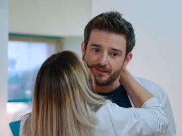 """Carmen enamora a Horacio: """"Eres bonito a rabiar"""""""