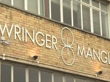 Frame 6.052187 de: Al menos 12 personas han resultado heridas por quemaduras tras un ataque con ácido en una discoteca de Londres