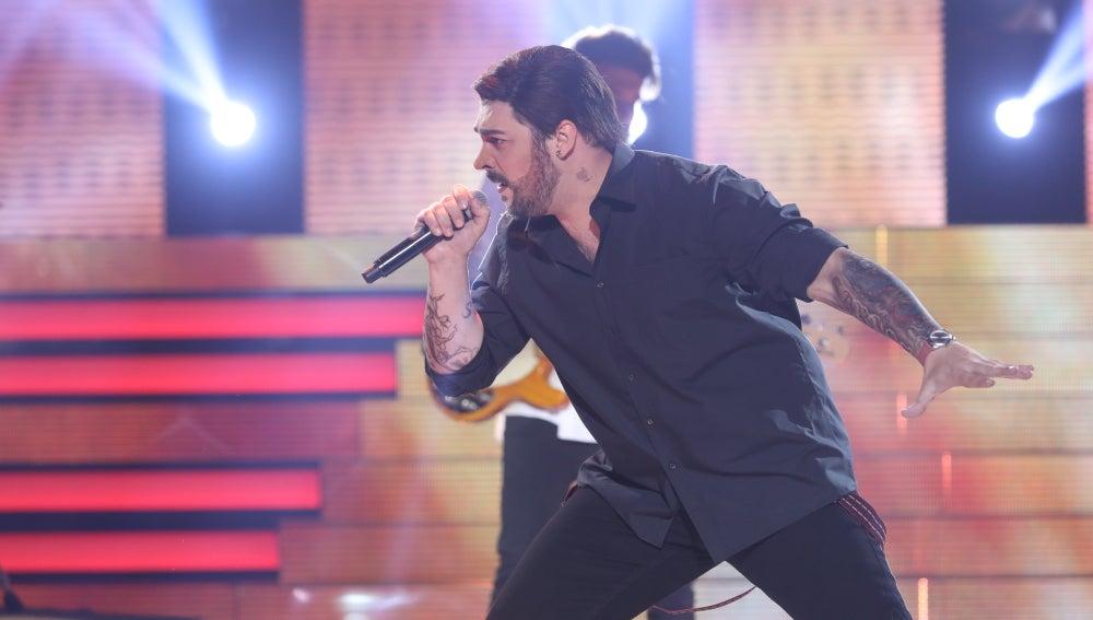 David Moreno, un irreconocible Melendi con su actuación 'Tocado y hundido'