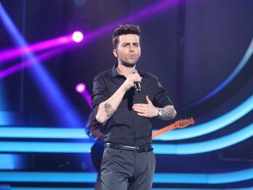 Ricky Mata convierte el plató en una gran fiesta con 'Moves like Jagger' como Maroon 5