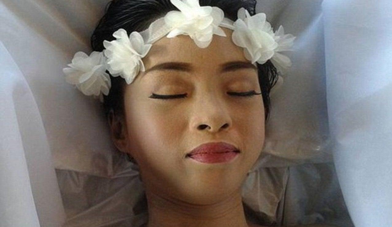 Una chica con cáncer cumple su último deseo de morir bella