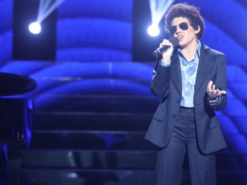 Angy imita a Bruno Mars