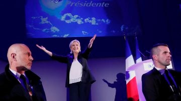Marine Le Pen pasa a la segunda ronda en Francia