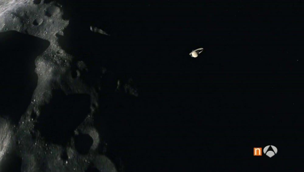 Frame 45.300952 de: La sonda Cassini inicia su último viaje en Saturno