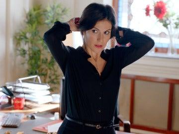 Trini, dispuesta a seducir a Cristóbal por conservar su puesto en la clínica