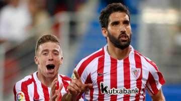 Raúl García celebra su gol ante el Eibar
