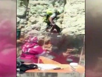 Frame 6.339832 de: Rescatados cinco escaladores en Calpe