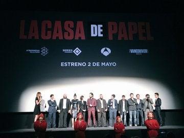 El equipo de La casa de papel en la premiere