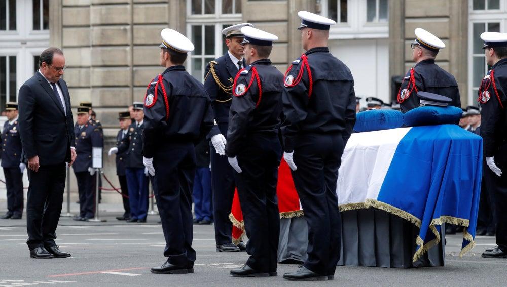 Homenaje al policía fallecido