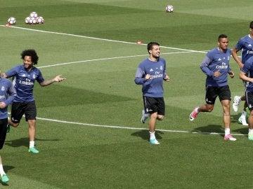 Los jugadores del Real Madrid se ejercitan en Valebebas
