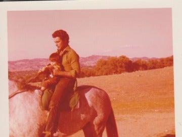 Fran Rivera a caballo con Paquirri