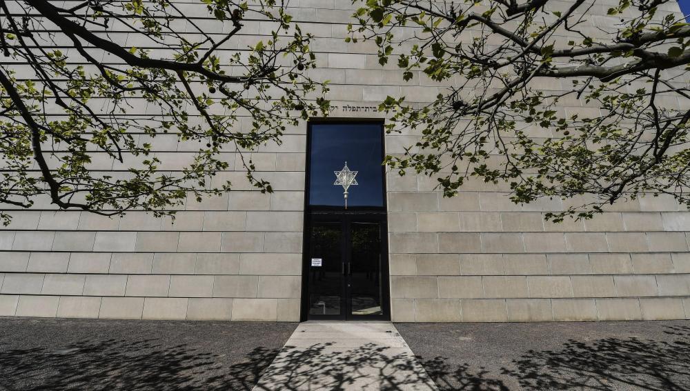 Nueva Sinagoga en el día de conmemoración del Holocausto en Dresde, Alemania