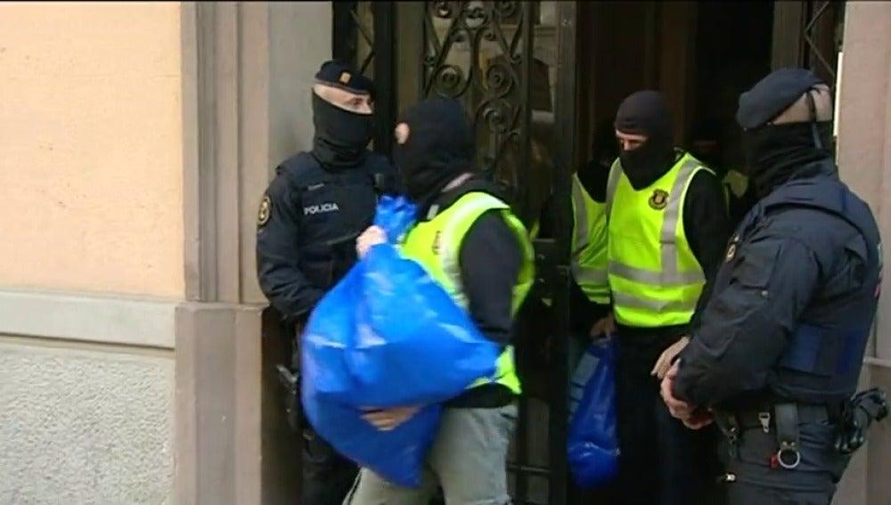 Frame 16.375993 de: Cuatro de los ocho detenidos en Barcelona están relacionados con los autores de los atentados en Bruselas
