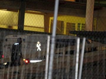 Llegada a Soto del Real de un furgón policial