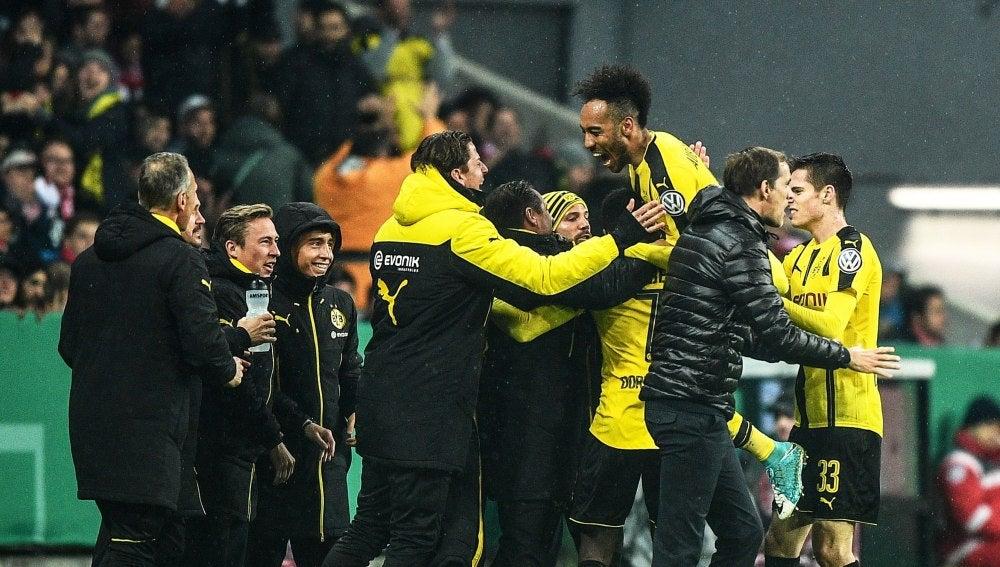 El Borussia Dortmund celebrando uno de los goles