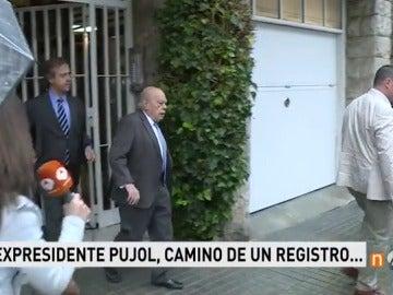 Frame 1.917192 de: La Policía registra el domicilio el expresidente catalán Jordi Pujol en la investigación sobre el patrimonio familiar