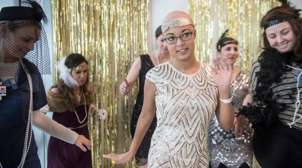 Corinne en su baile de graduación en el hospital