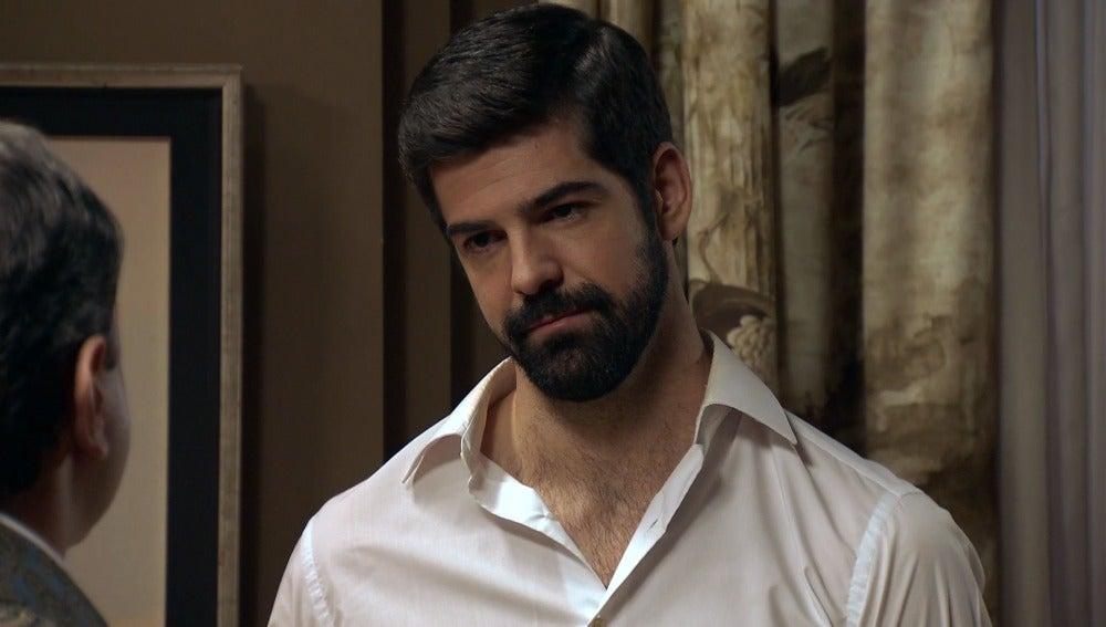 Alonso le comunica a Ginés que internará a Ana María