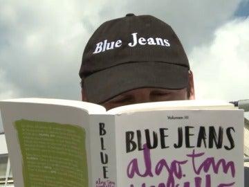"""Frame 2.424032 de: Blue Jeans, sobre 'Algo tan sencillo como estar contigo' : """"No me podía conformar con hablar de amor y desamor"""""""
