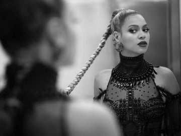 Beyoncé lanza un programa de becas para mujeres estudiantes