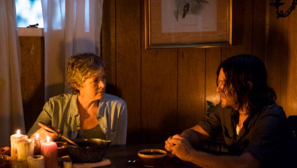 Carol y Daryl en la séptima temporada de 'The Walking Dead'