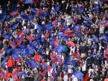 Aficionados del PSG durante un partido