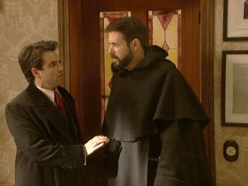 Carmelo y Severo, a punto de ser descubiertos