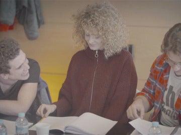 Nos colamos en la lectura del primer guion de 'La casa de papel'