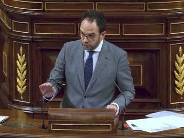 """Frame 1.00626 de: El PSOE alude al """"repugnante"""" clima de corrupción del PP para justificar su rechazo a los Presupuestos"""