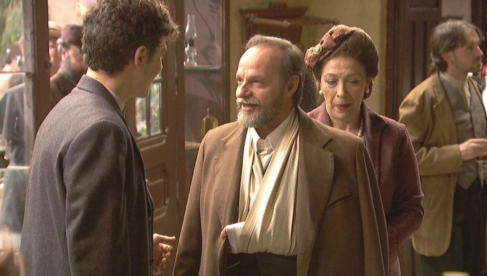 Raimundo, recibido en Puente Viejo entre abrazos y sonrisas