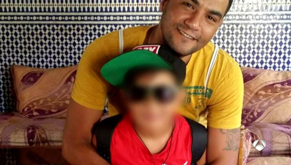 Frame 89.65 de: La Policía busca al asesino de la mujer y su hijo de 12 años en Alcobendas