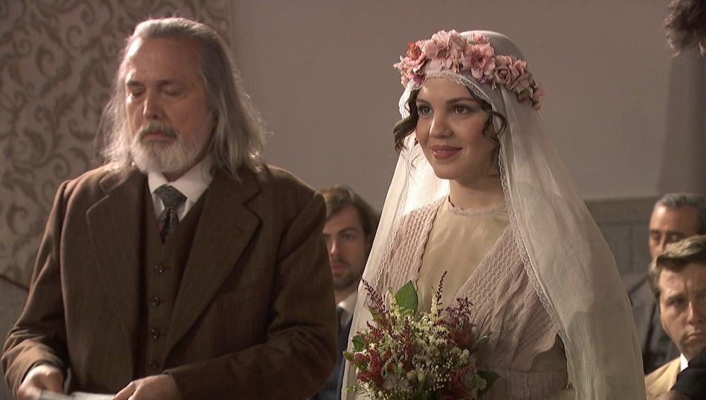 Matías y Marcela recibirán una inesperada visita en el altar