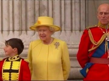 Frame 40.813441 de: Los reyes de Inglaterra no abdican
