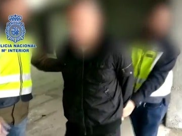 Frame 2.277922 de: Detenido en Barcelona un fugitivo brasileño acusado del asesinato de hijastro
