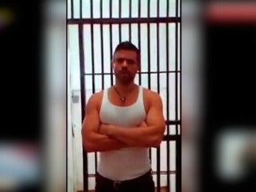 """Leopoldo López envía una """"fe de vida"""" desde la cárcel"""