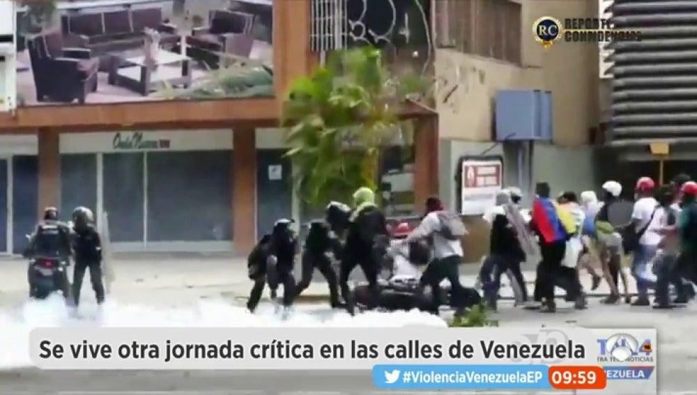 Frame 84.228571 de: violenciaenVenezuela