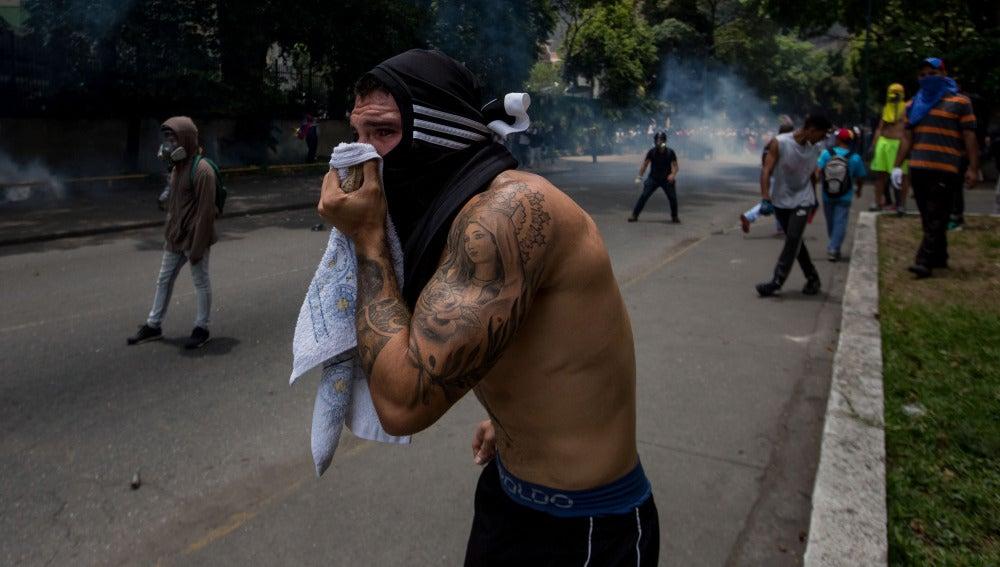 Muere un joven que fue herido en una manifestación en Venezuela
