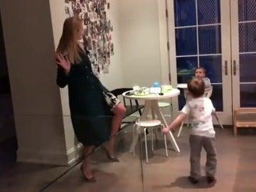 Frame 6.578956 de: Ivanka Trump publica un vídeo bailando con sus hijos en su cuenta de Instagram