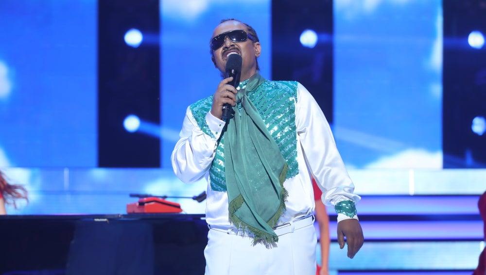 Germán Scasso protagoniza la llamada más romántica como Stevie Wonder